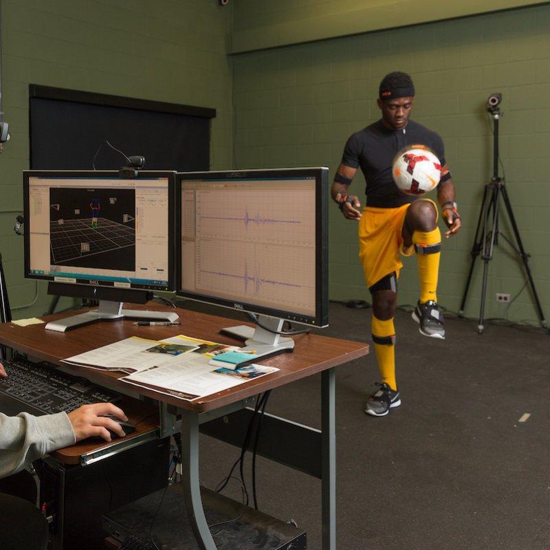 Bioengineering students collect data.