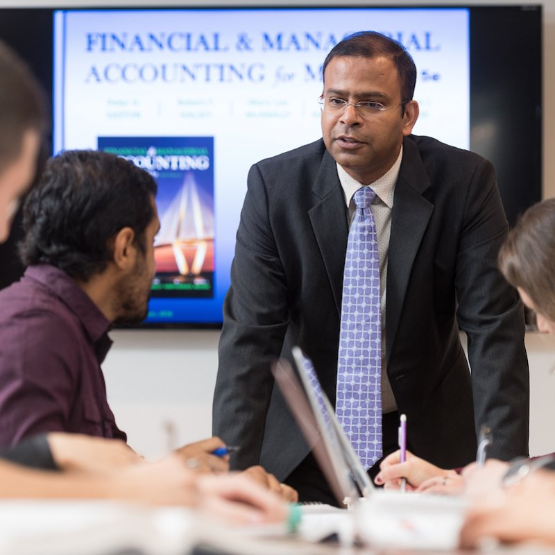Integrated business and engineering students learn about accounting.