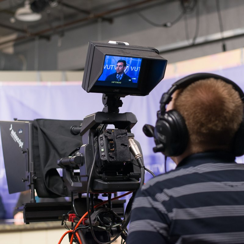 communication-major-tv-camera-anchorman
