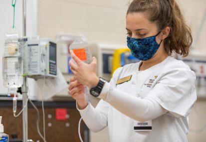 20201022 JLH CoNHP Nursing Sim Lab-029
