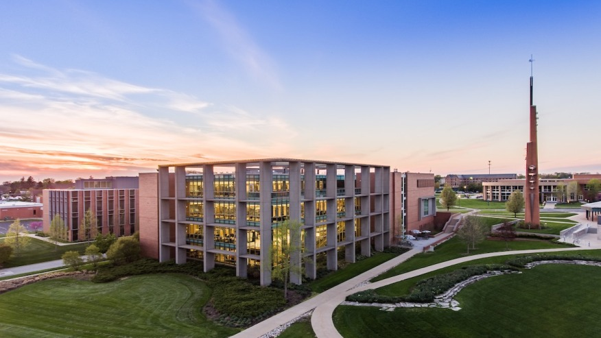 aerial photo of christopher center library on valparaiso university campus