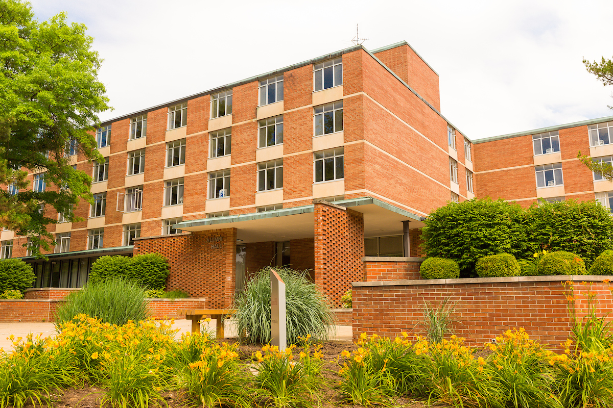 Alumni Building 4