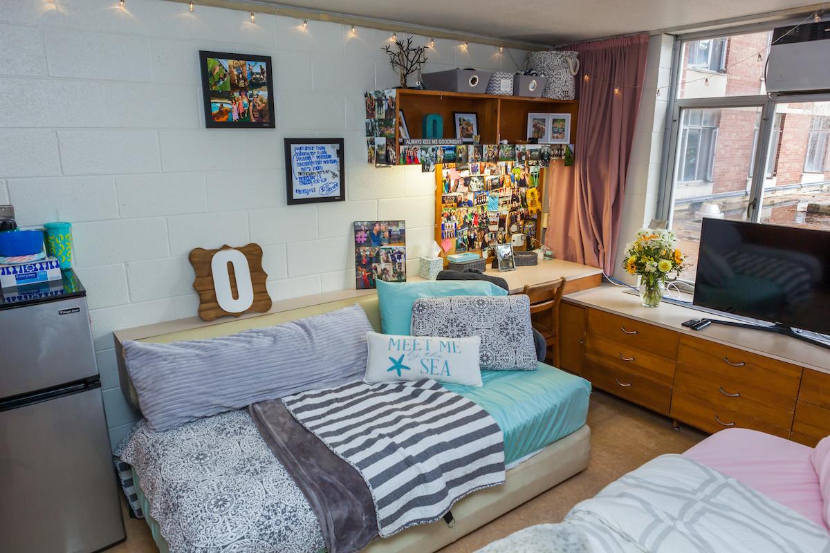 Lank Girls Room 7
