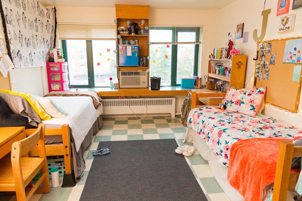 Berg Girls Room 2