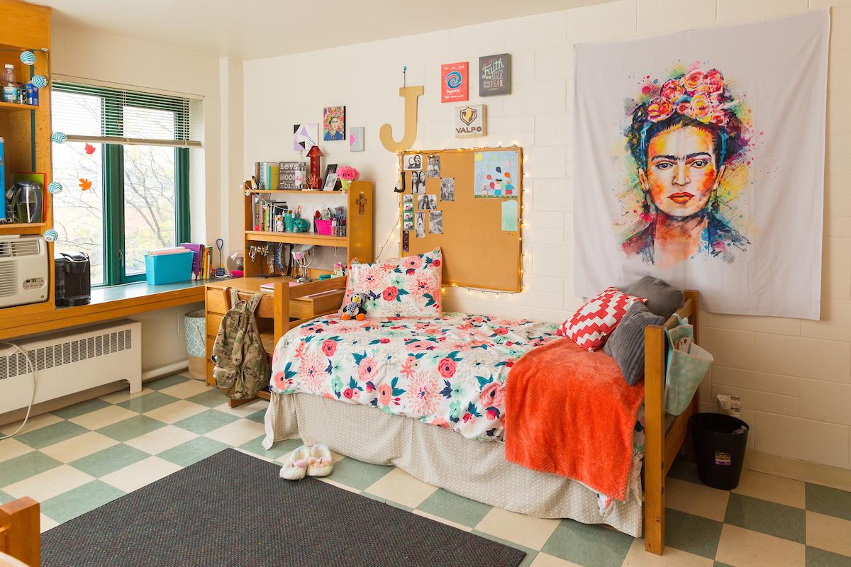 Berg Girls Room