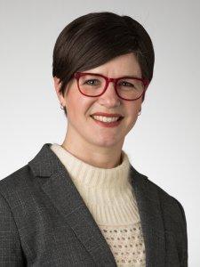 Professor Amanda Brobst-Renaud
