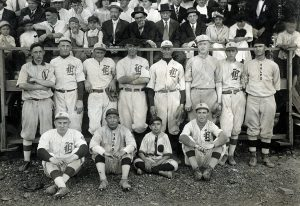 """101 YEARS AGO / Athletics Valparaiso University's baseball team of 1915 was composed of students from various departments, whose jerseys denoted their affiliation. The team was victorious over University of Chicago in June 1915—the engineers are adorned with """"E"""" caps, the scientifics with """"S"""" caps, and the lawyers are clothed in jerseys denoted with """"L."""""""