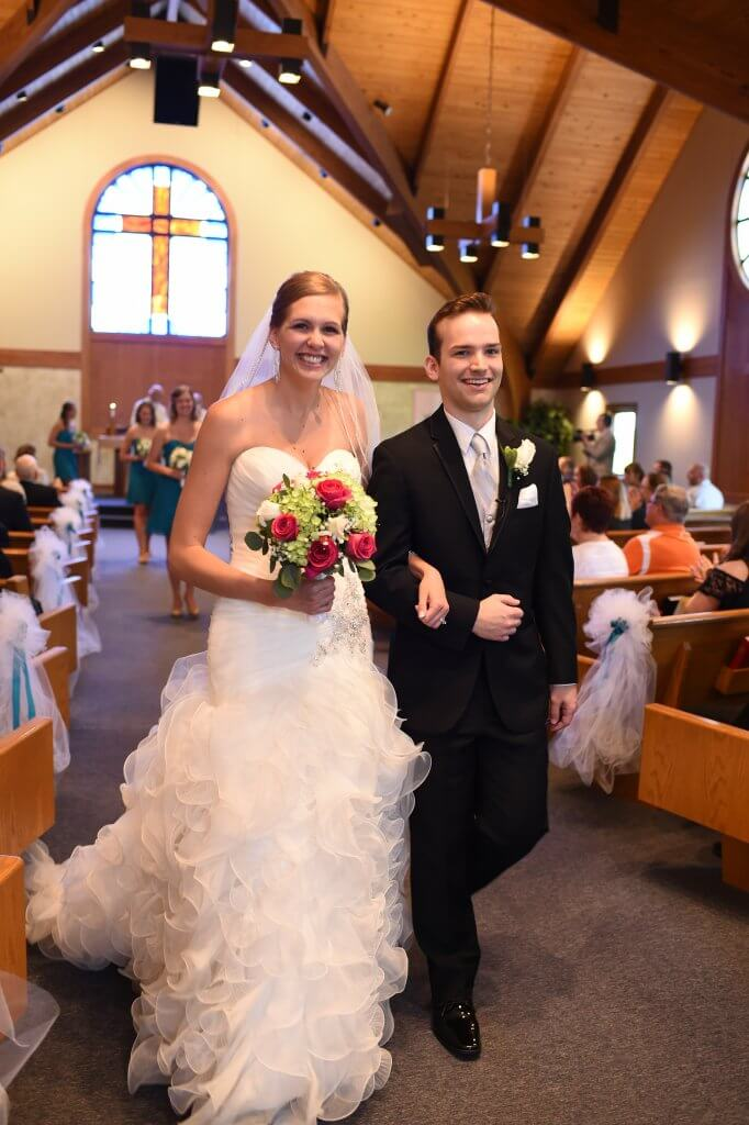 Abigail Hedlin '16 Wolfgram and Joshua Wolfgram '16 were married on May 28, 2017.